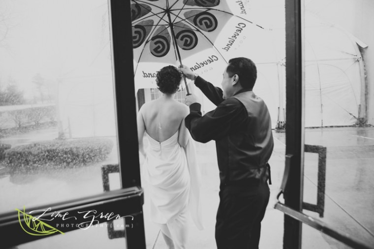 rainy wedding ideas