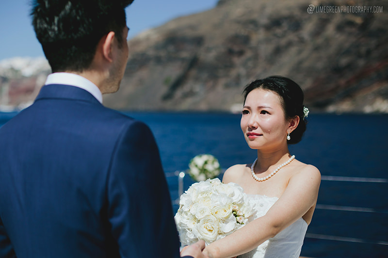 santorini wedding on a yacht