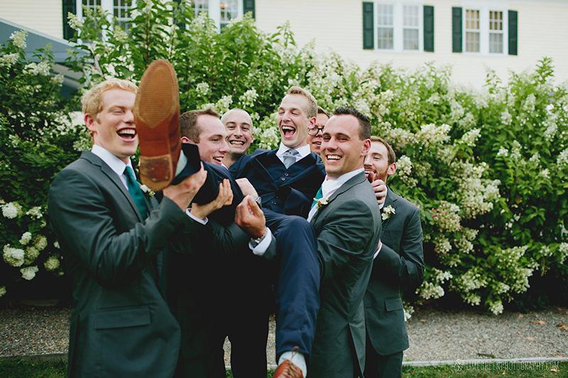 groomsmen poses