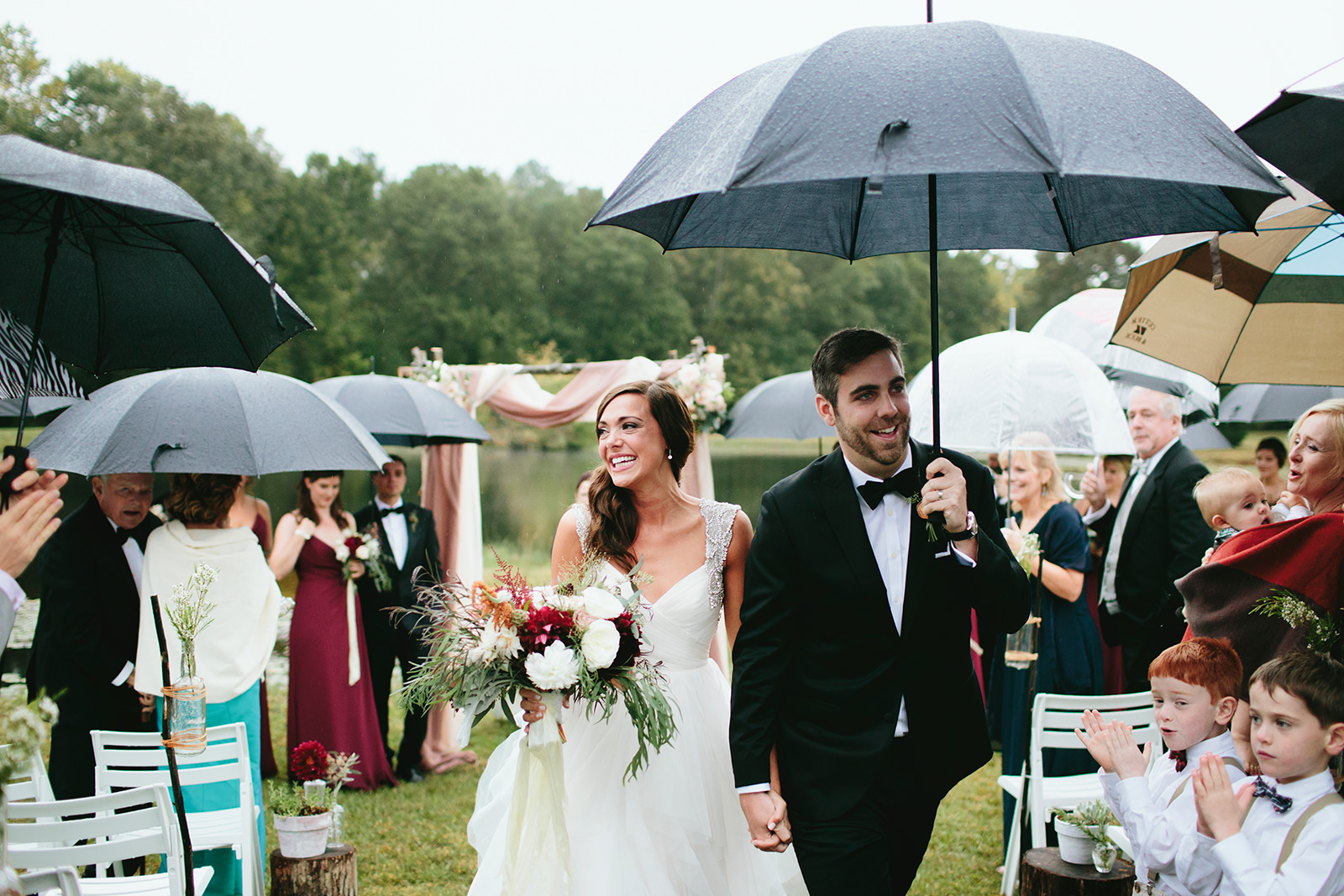 rainy-wedding-photos-10