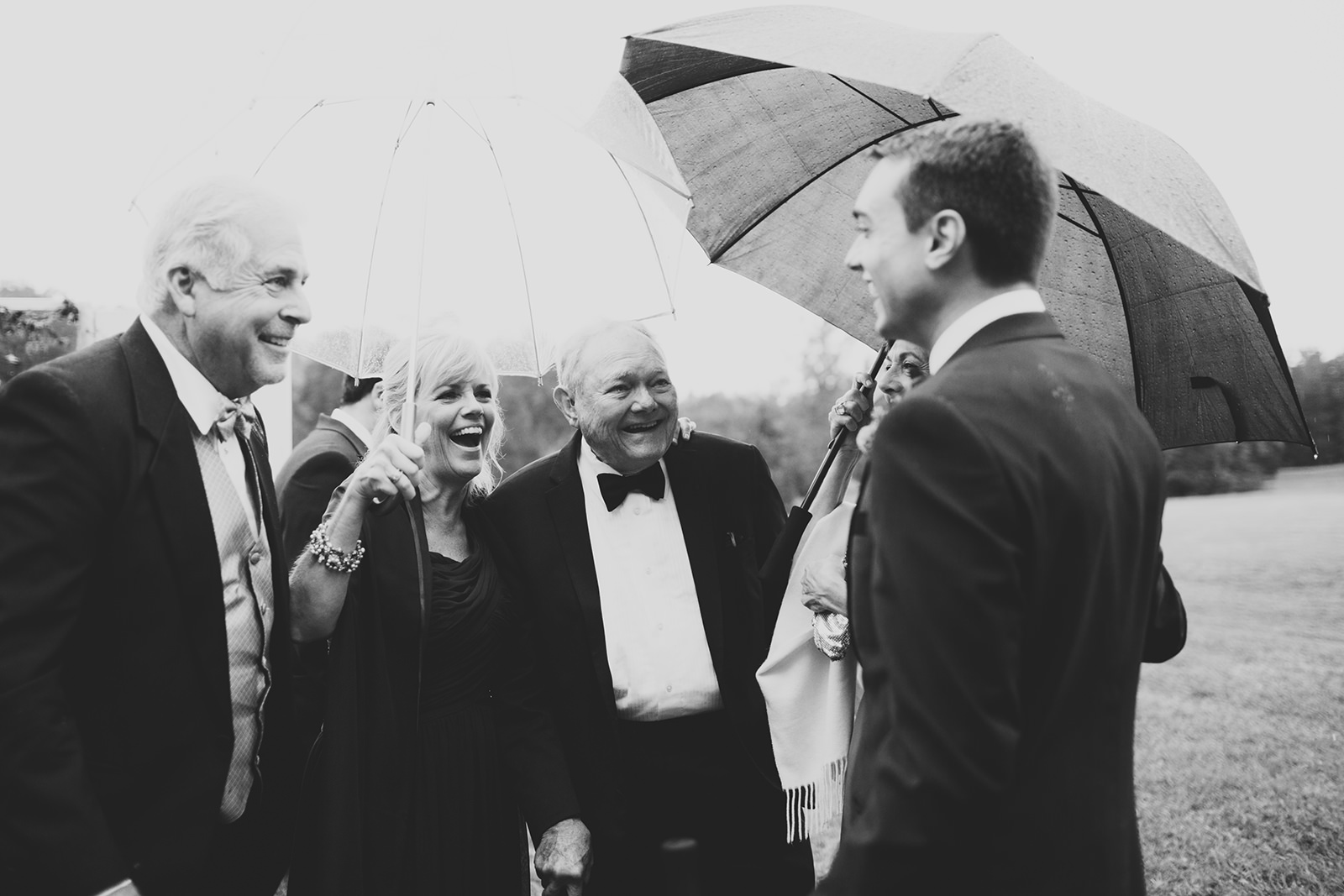 rainy-wedding-photos-12