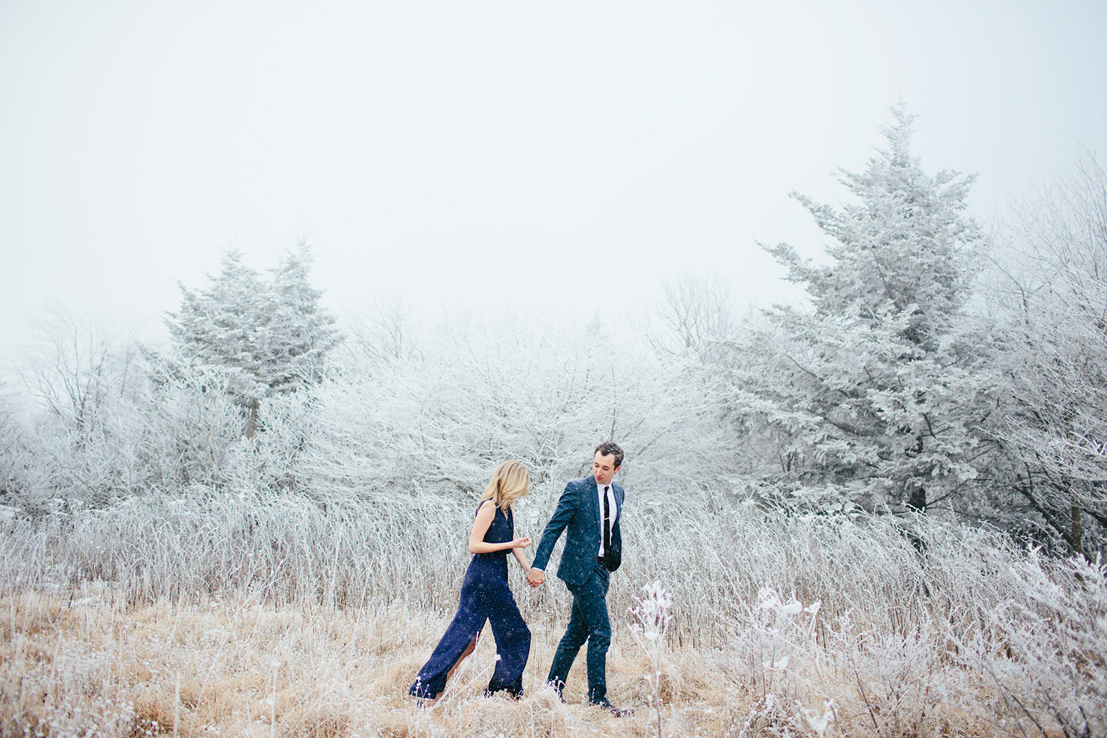 wintery engagement photos nc mountains