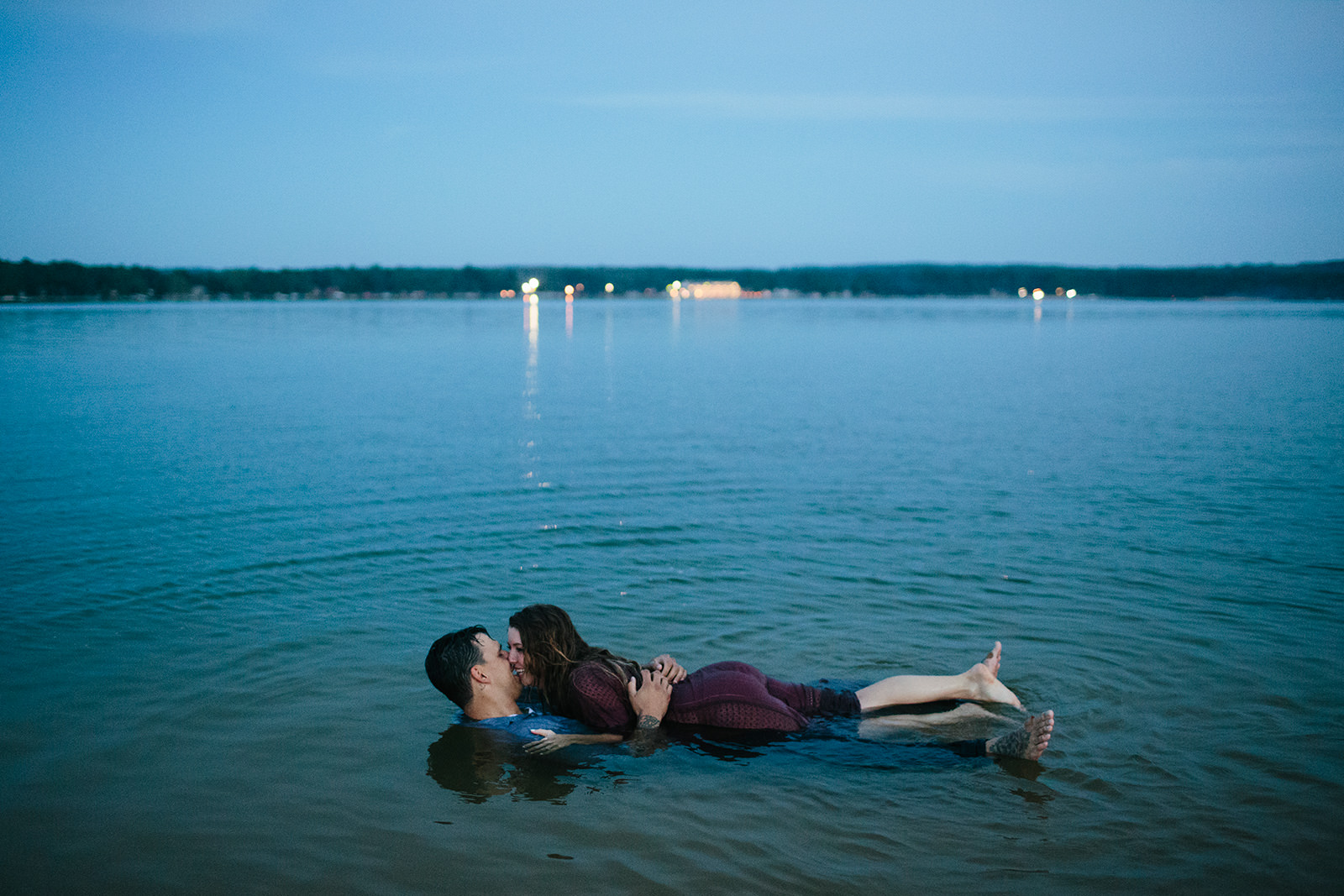 engagement photos in a lake