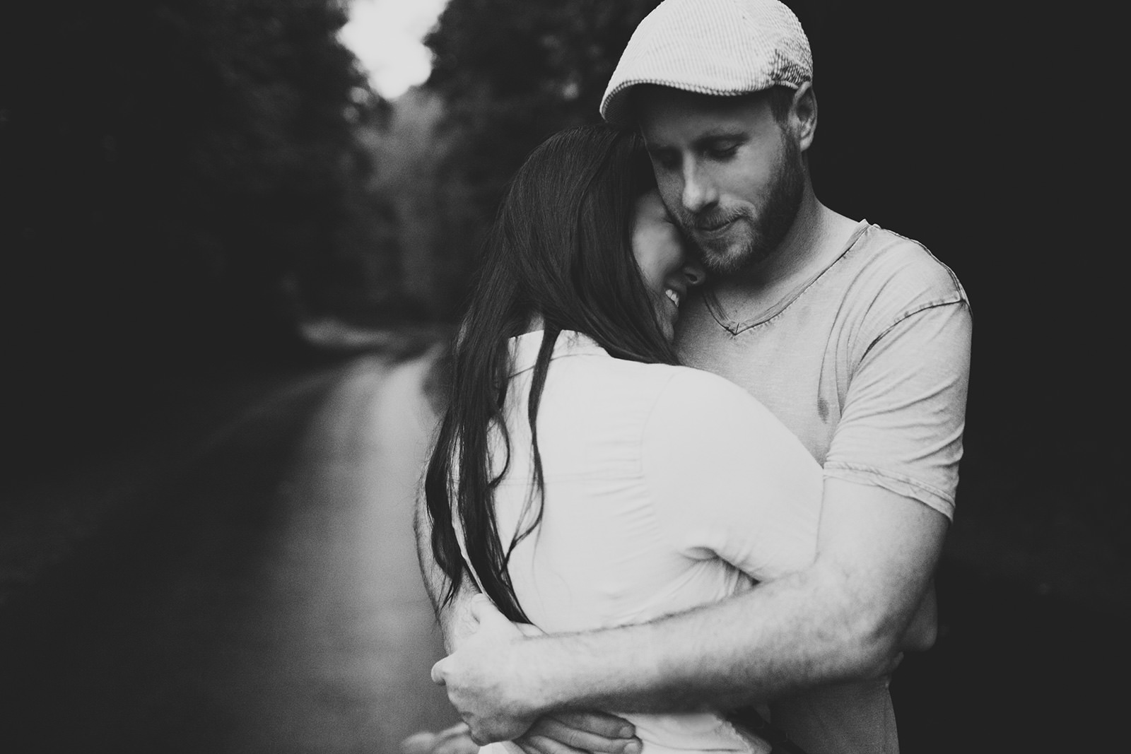 rainy engagement photos craggy gardens