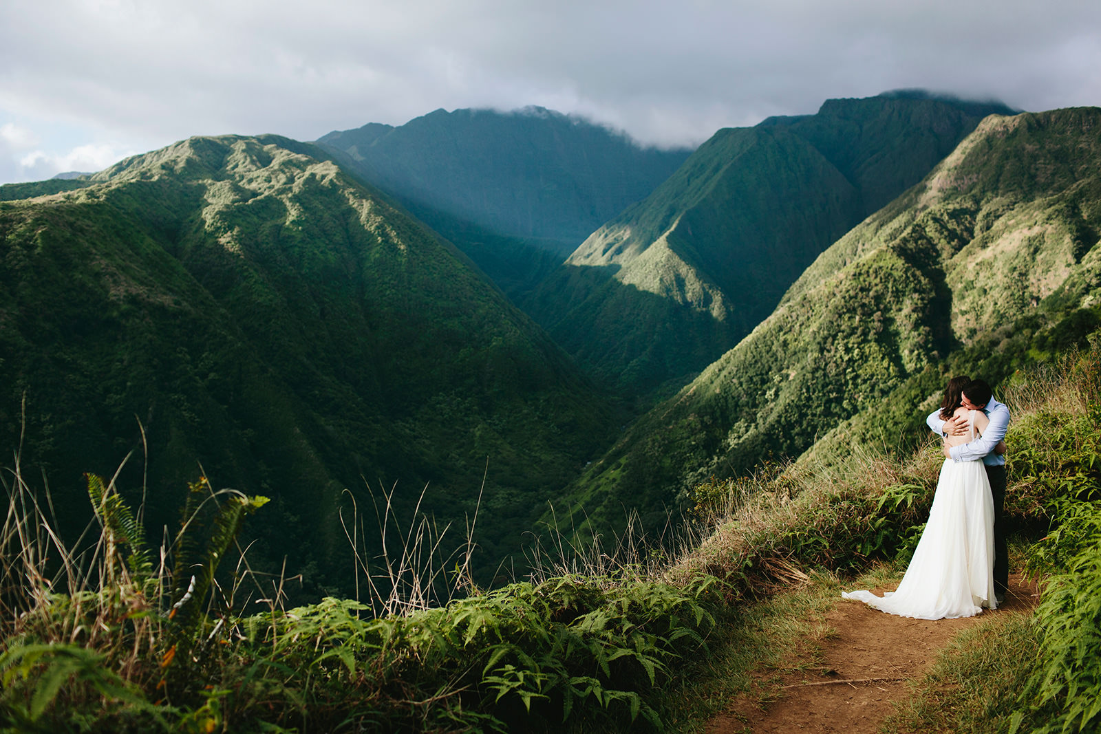 waihee ridge trail weddings