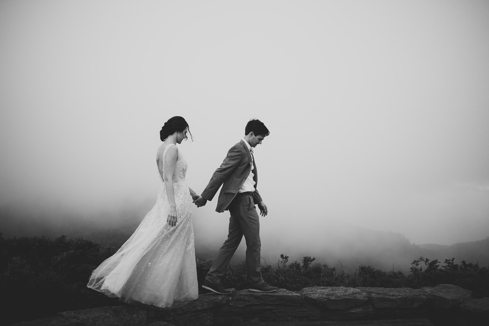 foggy weddings in appalachian moutains
