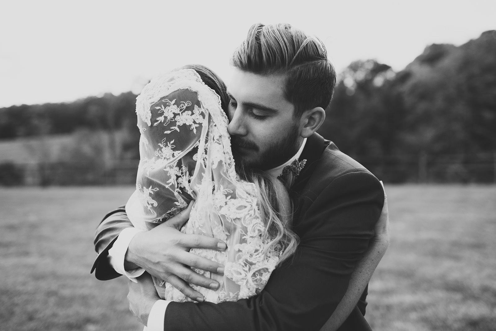 wedding photos of claxton farm weaverville