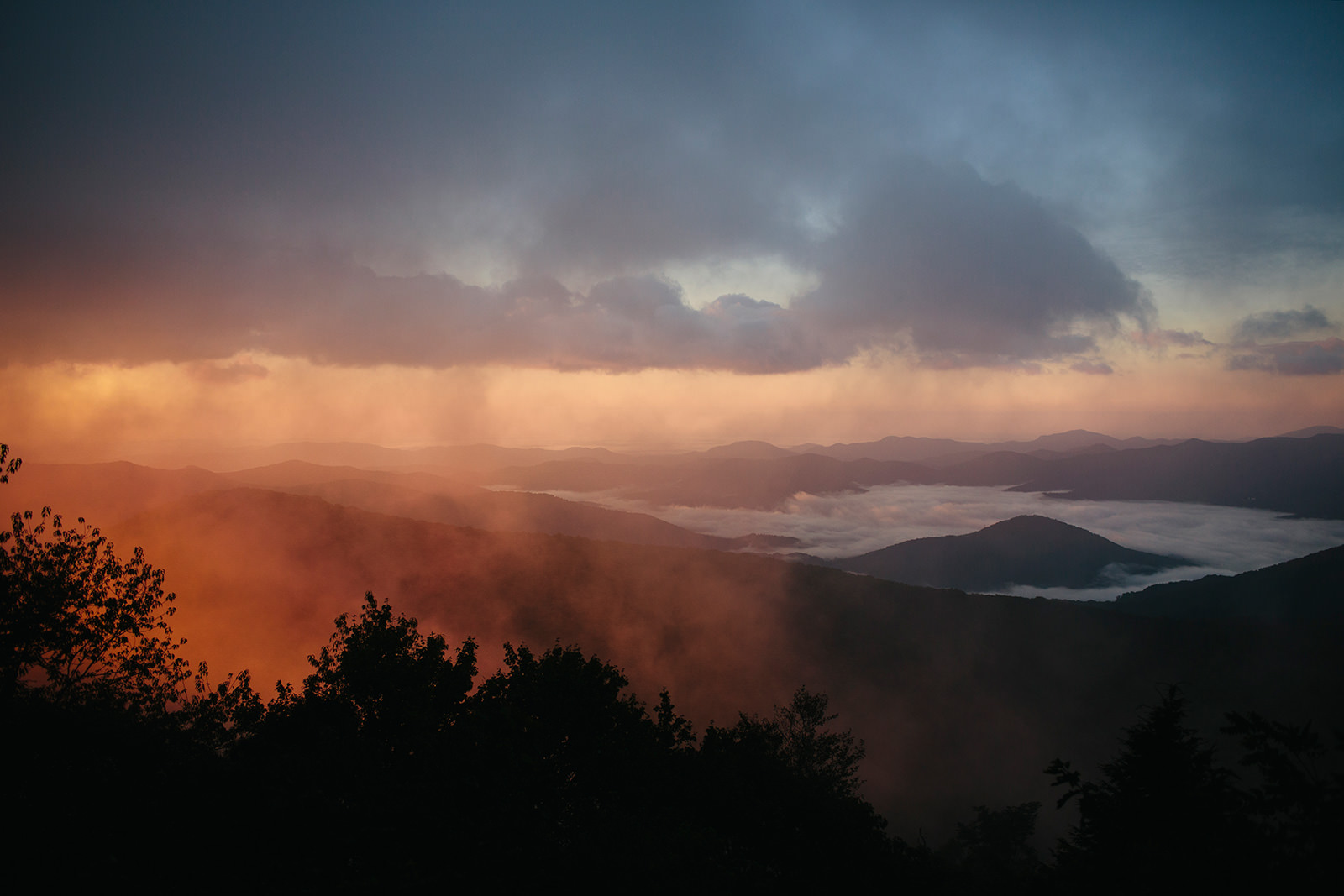 foggy sunrise asheville nc