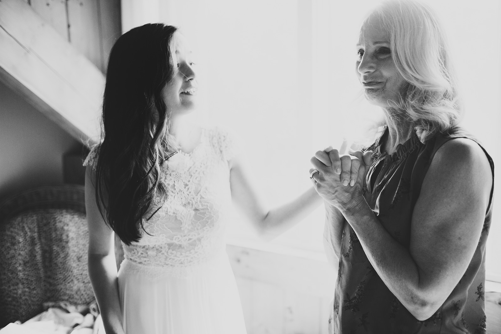 mother daughter moment wedding