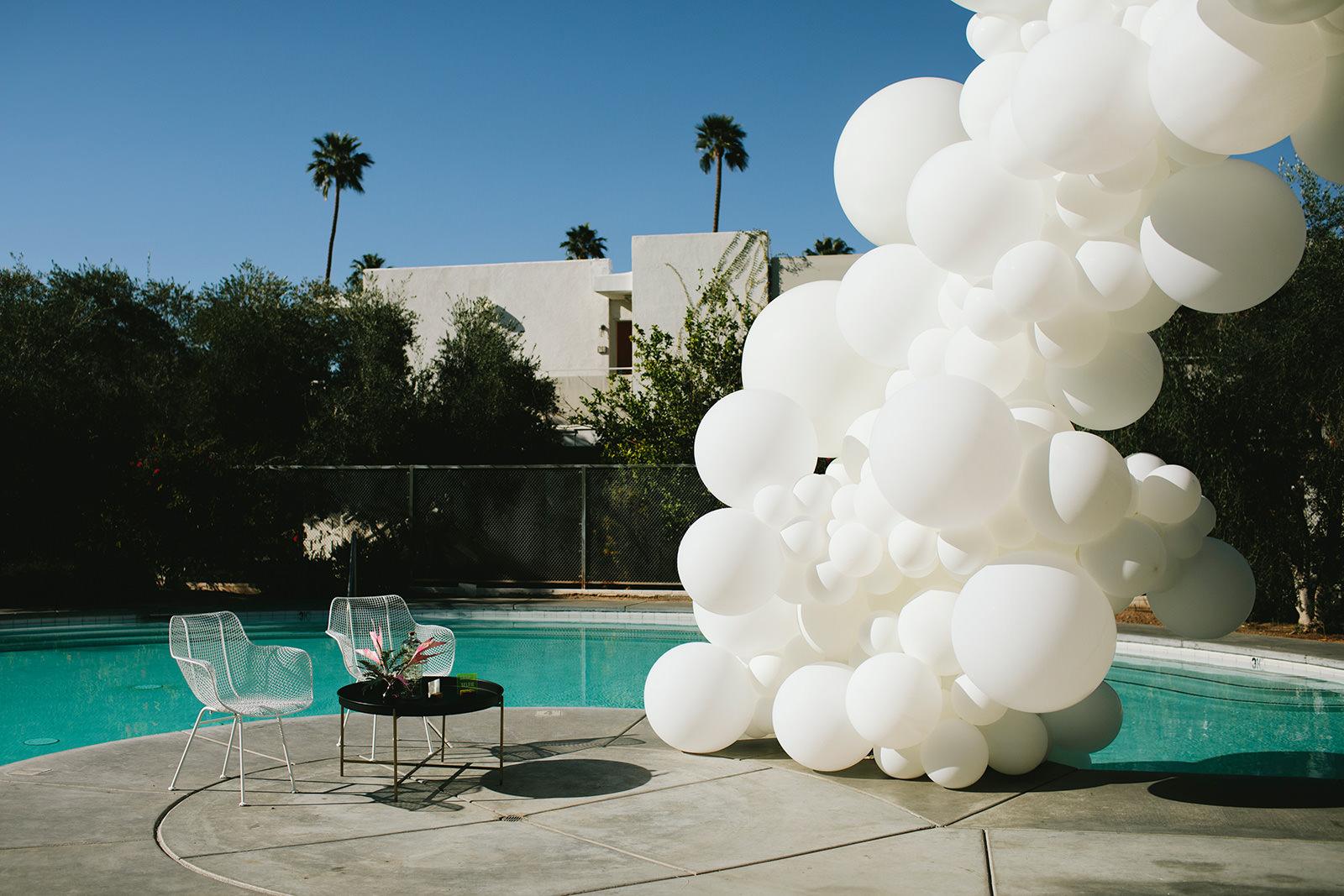 balloon installation wedding