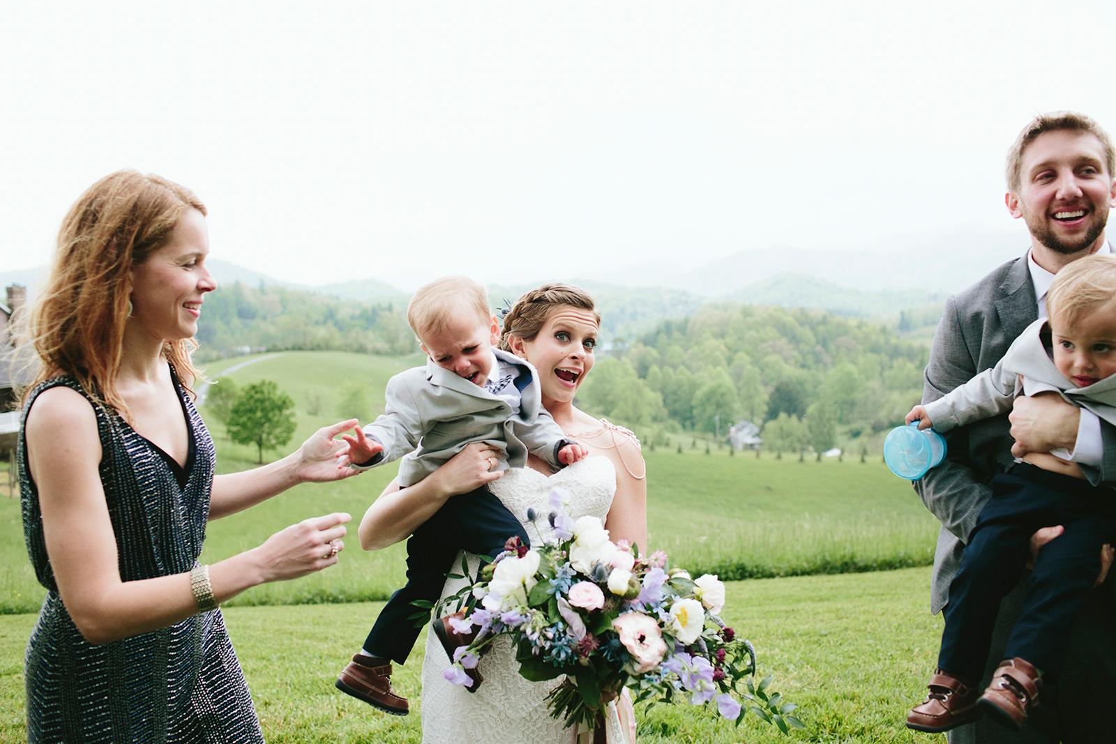 funny group photos wedding