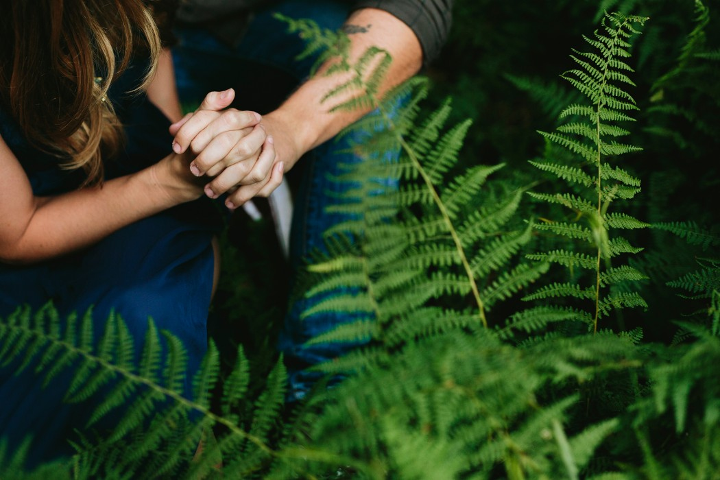 holding-hands-in-ferns