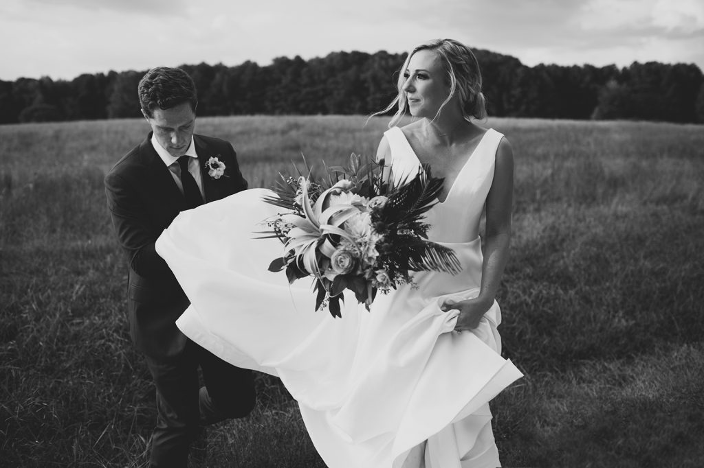 weddings-at-the-meadows-in-raleigh