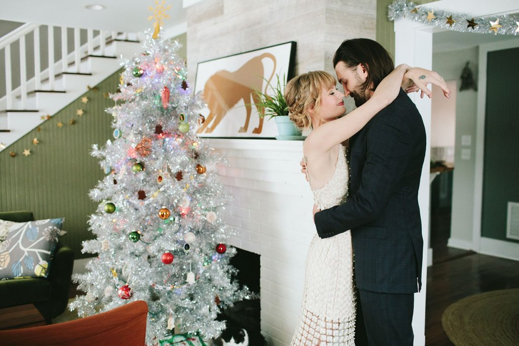holiday-elopement-photos
