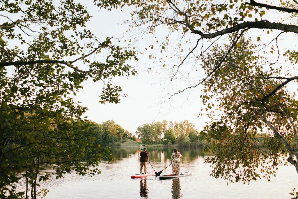 paddle boarding engagement photos