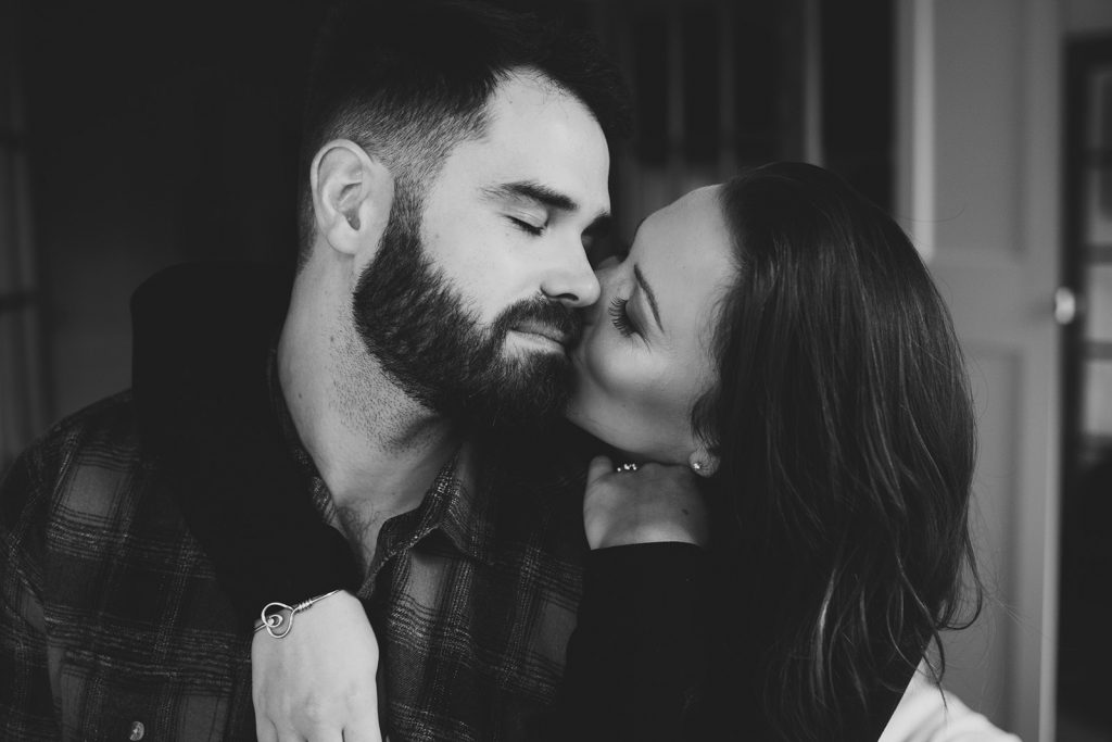 unique nyc engagement photos