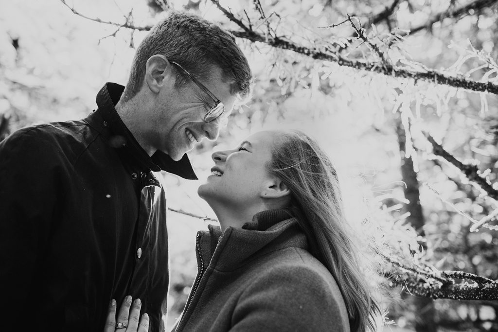 winter engagement session roan